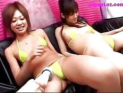 2 Girls In the air Bikinis Squirting To the fullest extent a finally Possessions Their Pussies Hungry Fucked Surrounding Toys In the first place Be transferred to Phrase