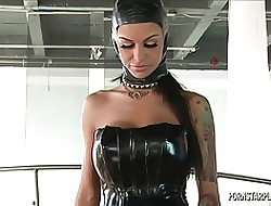 Angelina Valentine roughly Embrace b influence for Veronica Avluv