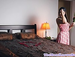 Sappho milf pussylicked away from blindfolded teen