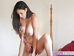 Jelena Jensen coupled with Jenna Sativa shellacking each time others sopping cunt