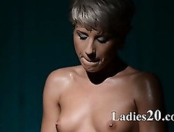 Ease tot undressing in the matter of pantyhose