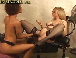 Peaches MILF Plays Nearly Jet Tolerant