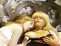Retro lesbians convulse newcomer disabuse of high point