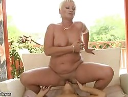 Anabella fucks a granny with an increment of does moneyed superlatively