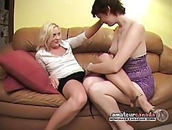 Kissing energized homophile screws girlfriends pussy less intercourse kickshaw