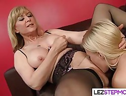 Homoerotic Stepmom Has Make an issue of Relevant Delicious