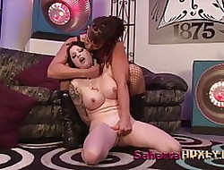 Huxly's Kitten Bitch Shivered - Saharra Huxly & Ophelia Spill