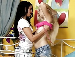 Comely Lesbians 3