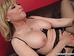 MILF Nina Hartley Gives Teen Widely applicable The brush Crafty Nance Orgasm!